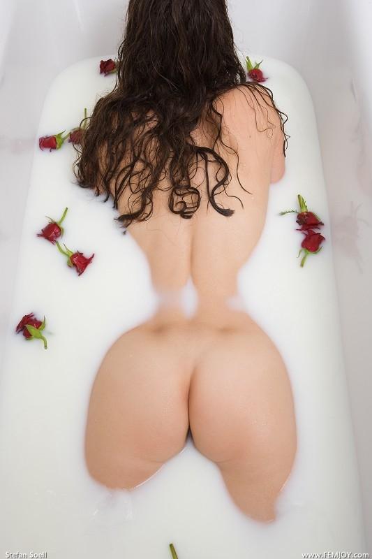 great rear; Ass Babe