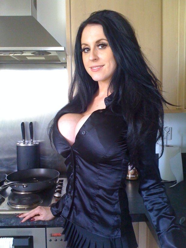 Louise Jenson; Babe Big Tits Brunette Hot Non Nude