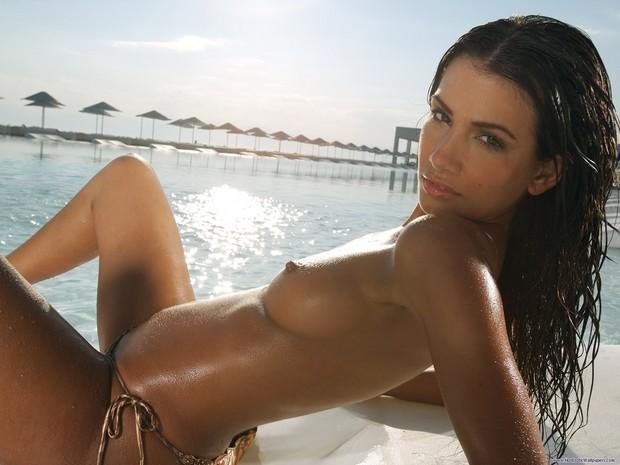 nice tan; Babe
