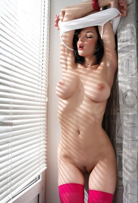 So hot in here; Babe Big Tits Brunette