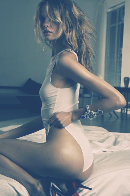 #heels; Non Nude