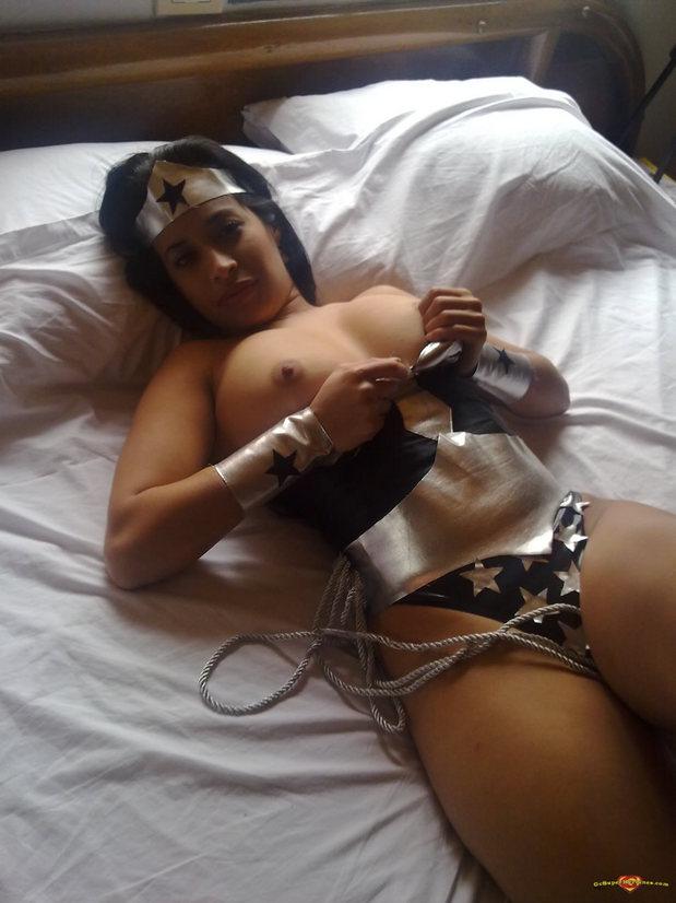 Dark Wonder Woman; Uniform