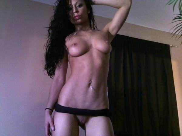 tia mowry naked boobs