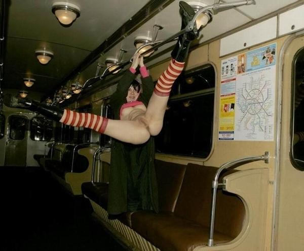 Секс в метро красивый фото 35846 фотография