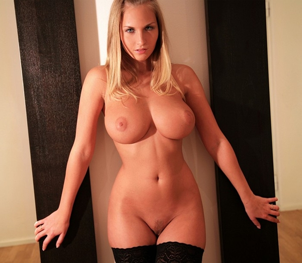 Blonde with seductive hips; Babe Big Tits