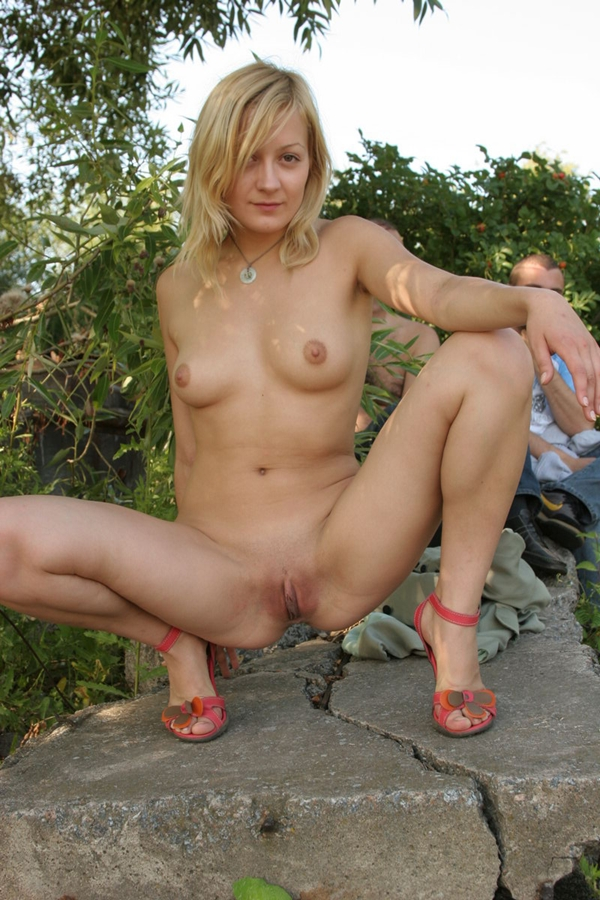 Beautiful Girl Naked Public